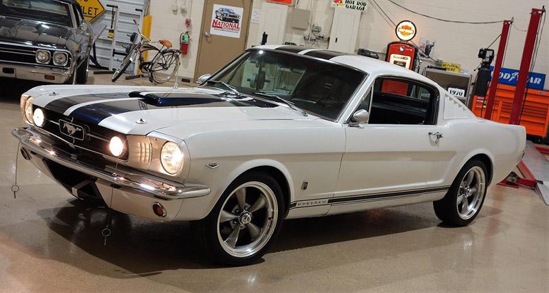 /1965-mustang-fastback-white