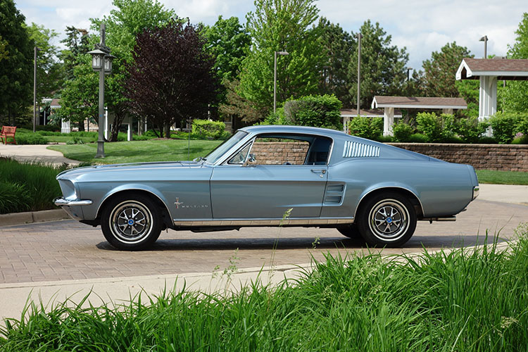 /1967-mustang-fastback-mca-gold
