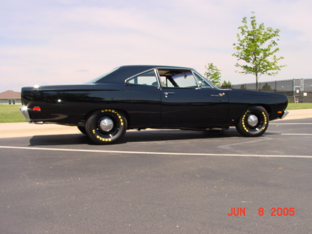/1969-plymouth-road-runner