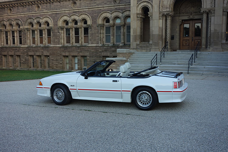 /1989-mustang-gt-convertible-white